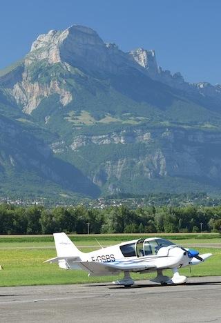 Aerodrome_Grenoble_Le_Versoud_EMOXISC0139_D